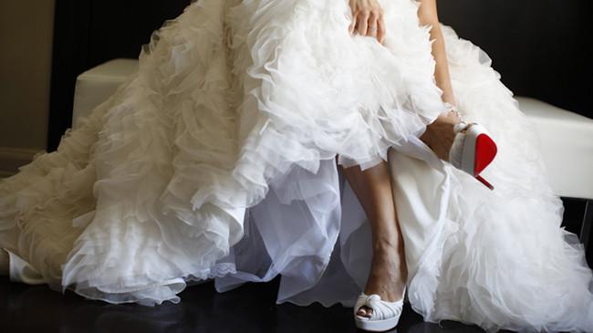 3-fabulous-lazaro-wedding-dress-and-christian-louboutin-bridal-shoes